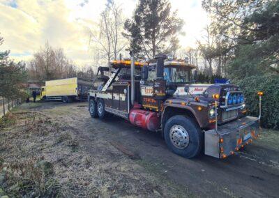 holowanie ciężarówki